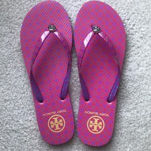 Size 9 Tory flip flops